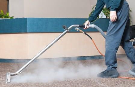 ماكينات التنظيف بالبخار