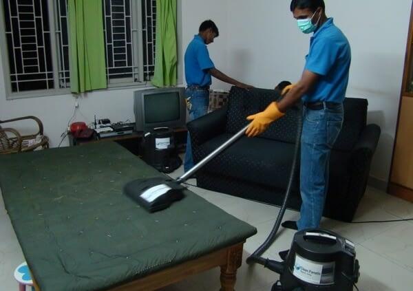 العمالة المدربة في شركة تنظيف شقق بجازان